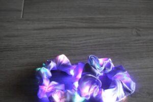 led scrunchie lila